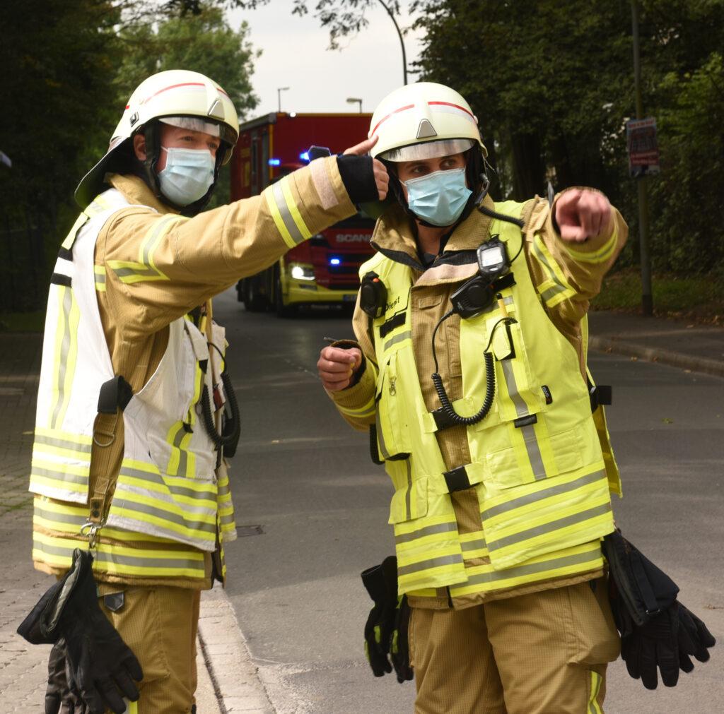Feuerwehrmänner bei der Arbeit, Feuerwehr Herne