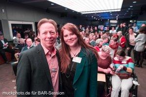 Holger Rhode und Nora Breuker vor dem Publikum der BARsession