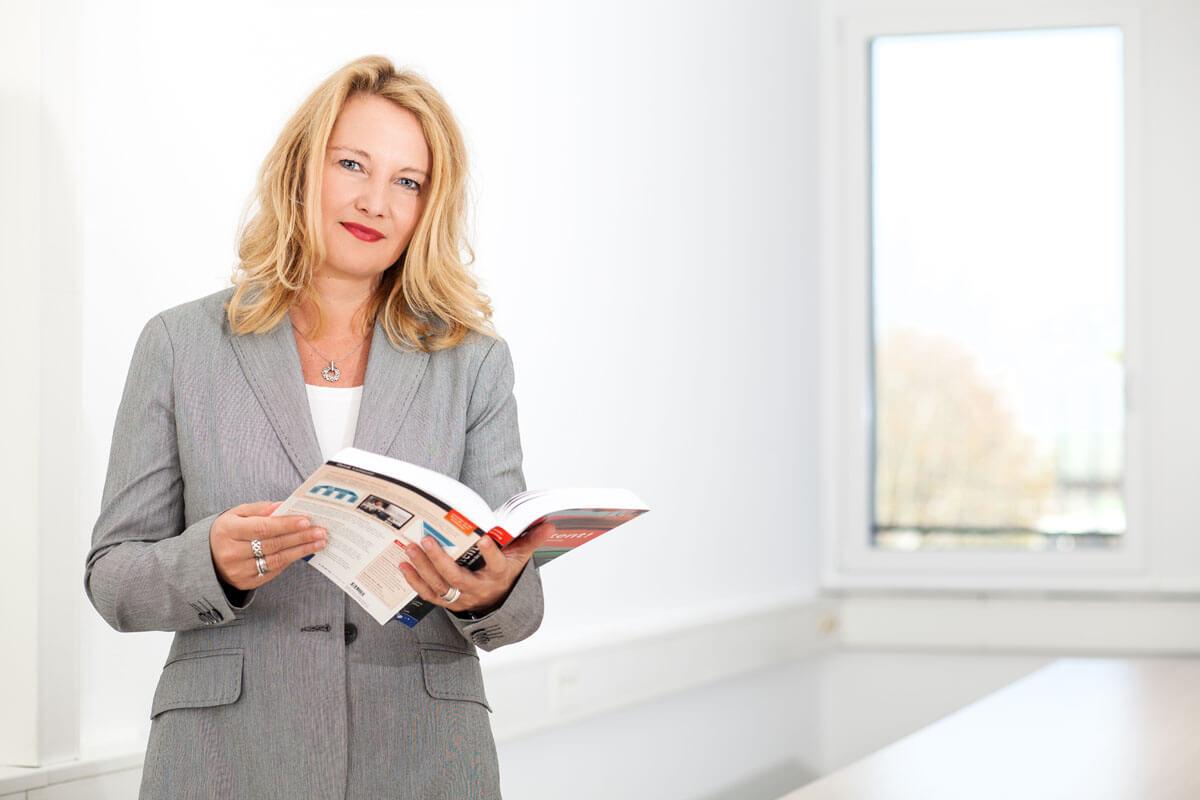 Speaker Dr. Marie Huchthausen, Social Media, eLearning, Online PR