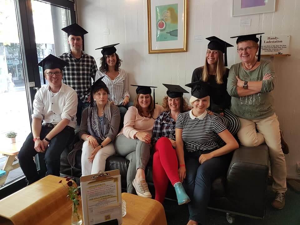 Digital Journalisten und Journalistinnen bei ihrem Abschluss