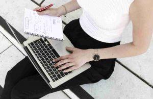 Für die digitale Branche bietet die Business Academy Weiterbildungen an
