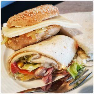 """Das Essen bei der #DiWoDo17 Veranstaltung """"Lunch & Learn"""": Sandwiches, Bagels, Wraps"""