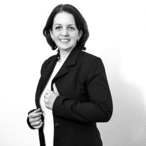 Das Bild zeigt Milena Droste, Dozent im digital Marketing