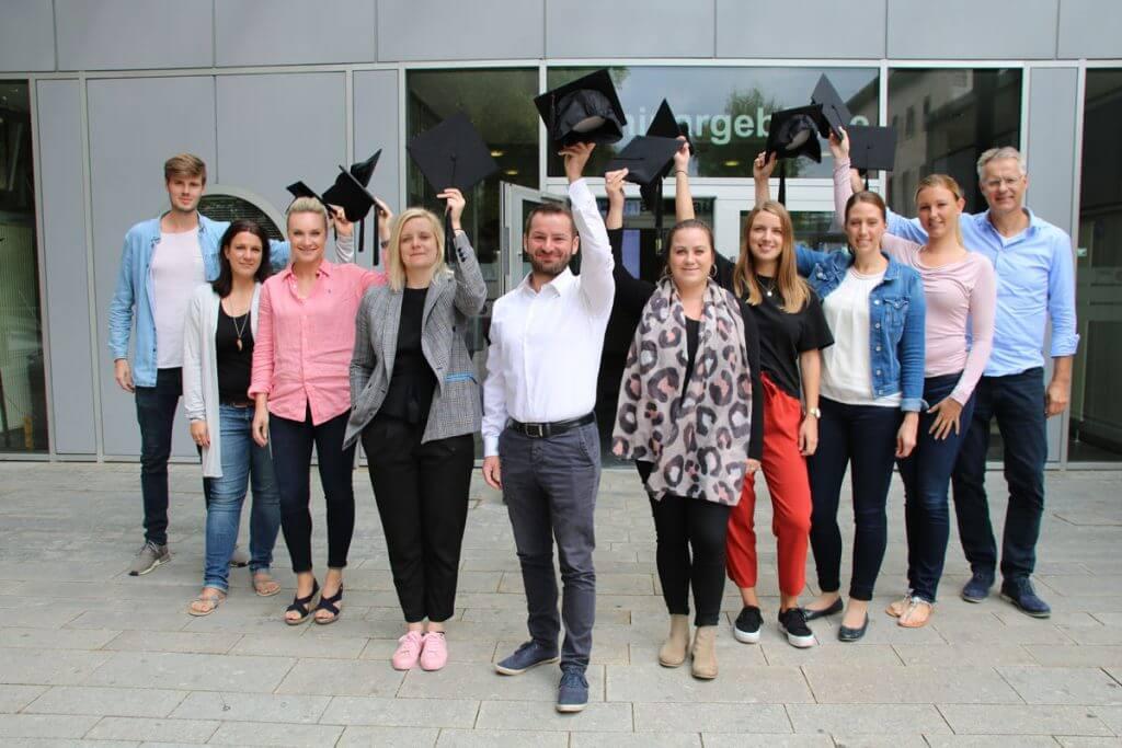 Dieses Foto Zeigt die Absolventen des Online Marketing Manager IHK Dortmund Kompaktkurs