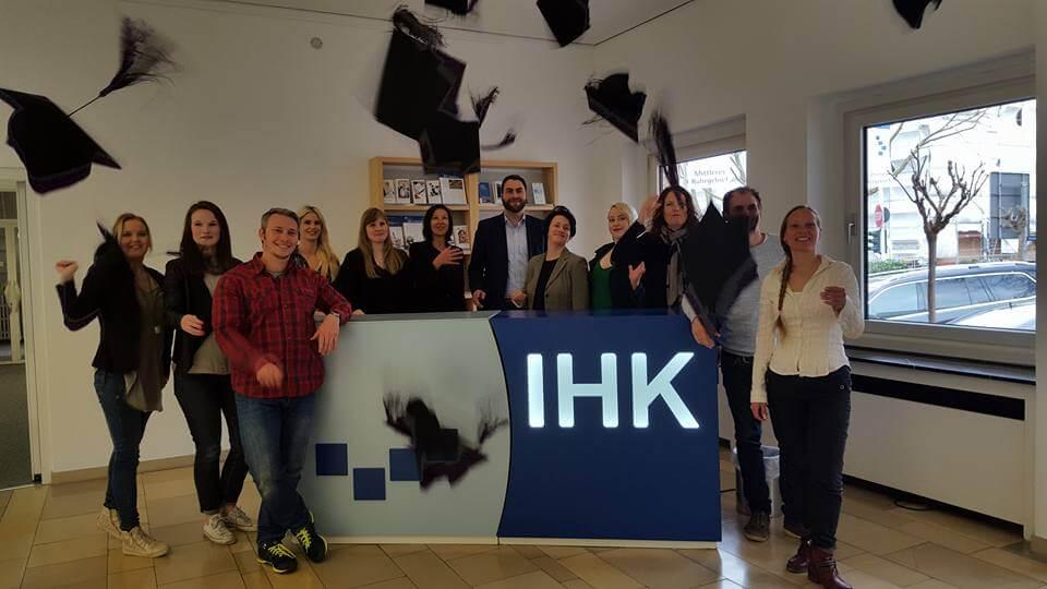Die ersten Absolventen zum Social Media Manager Advanced (IHK)